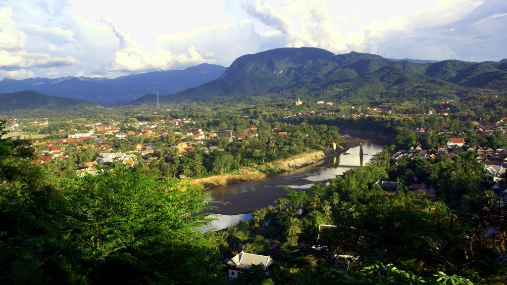 Découvrir Luang Prabang, les fêtes, les cérémonies, ses habitants...