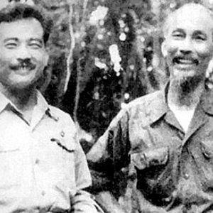 Souphanouvong et Ho Chi Minh, le Prince rouge et l'oncle Ho - Laos