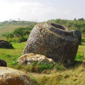 La plaine des jarres, un mystère antique - Laos