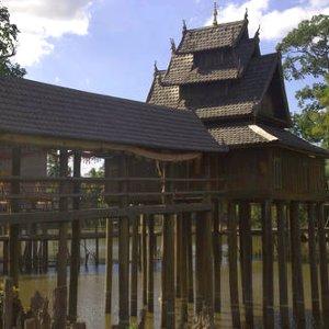 Hotay Pidock, bibliothèque bouddhiste au laos