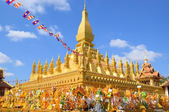 Fête That Luang au Laos.