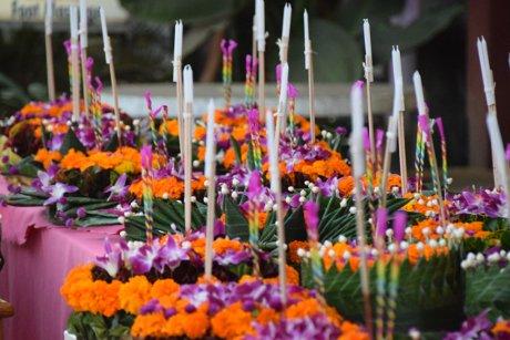offrandes aux Nagas, Vang Vieng