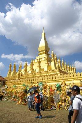 Offrandes au That Luang, Vientiane