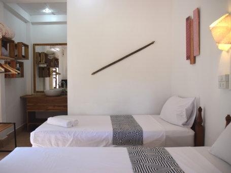 Hôtel de catégorie moyenne au Laos - mcrr