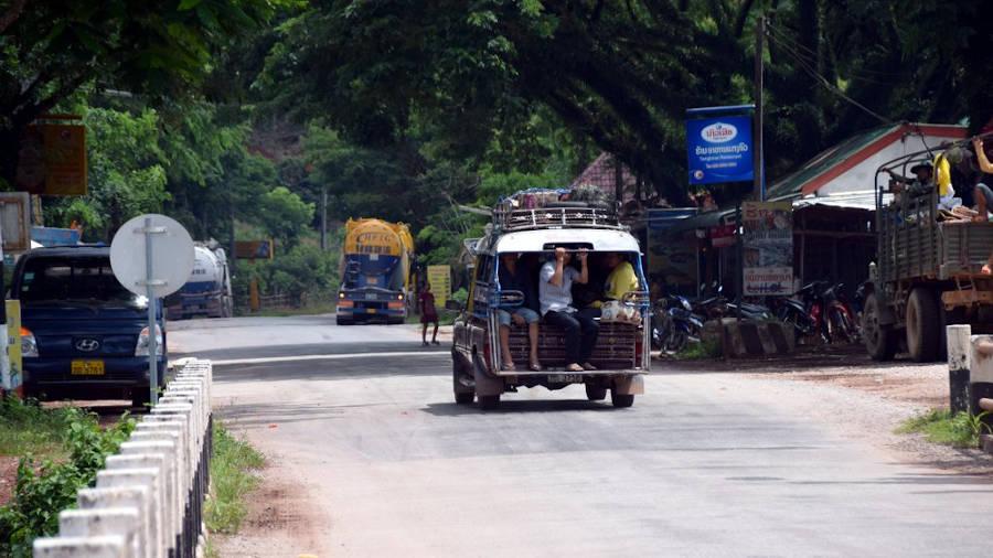 Samlo et camion au Laos.