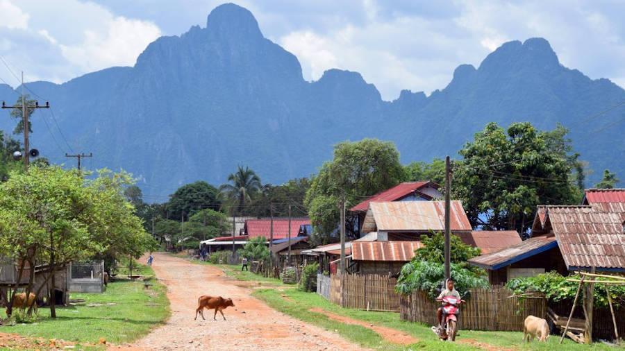 Pistes et obstacles au Laos.