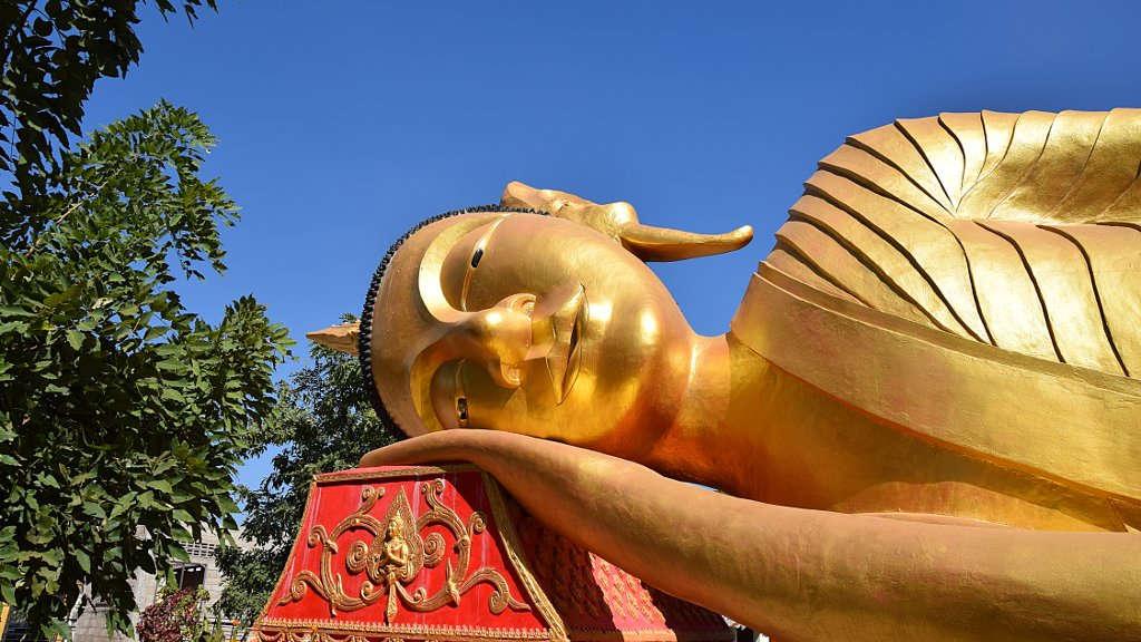 Bouddha couché au Laos.